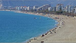 Antalya ilk 20'de