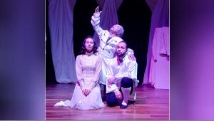 'Tarla Kuşuydu Juliet' sahnelendi