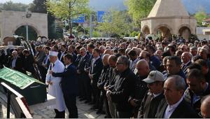 Turizmci Gül defnedildi