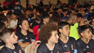 Geleceğin Yıldızları Futbol Şenliği başladı
