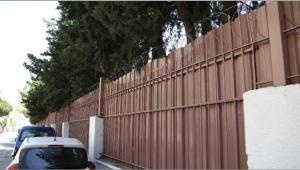 Okul duvarına 'Jiletli tel'