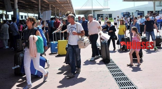 Antalya'da günlük yolcu rekoru