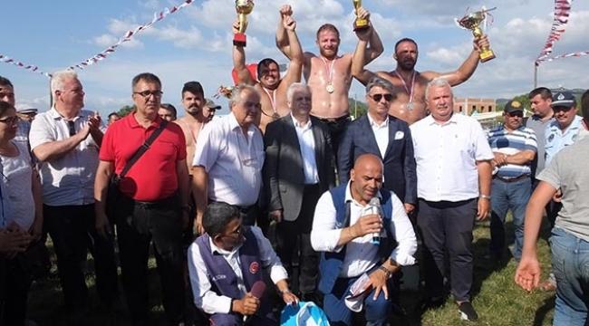 Kızıklı'da şampiyon İsmail Balaban oldu
