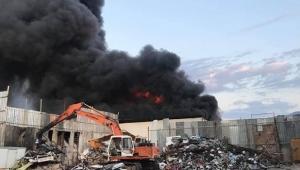 Kumluca'da korkutan yangın