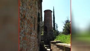 Bir kesik minare daha!