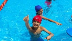 Otizmli çocuklar Kepez'de yüzecek