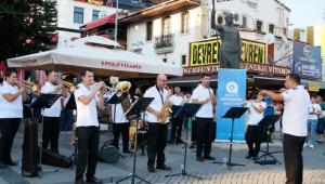 ABBO'dan Attalos Heykeli önünde konser