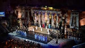 'Aida' ayakta alkışlandı