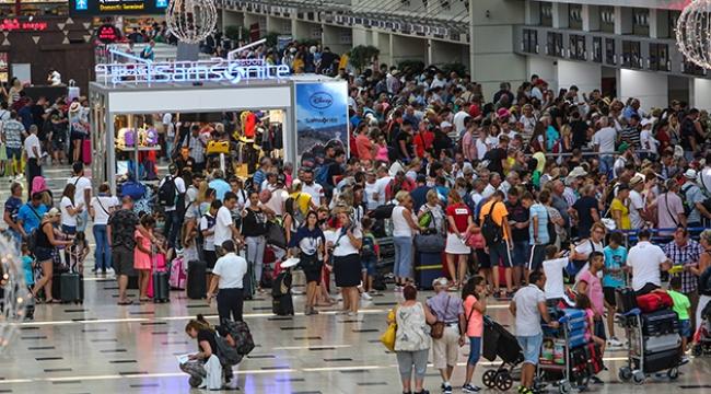 Antalya'da turist sayısı 12 milyonu geçti