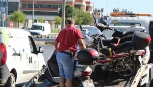 Motosikleti bırakıp kaçtı