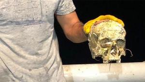Trol ağına insan kafatası takıldı