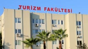 AÜ'de Sağlık Turizmi Yöneticiliği Eğitimi verilecek