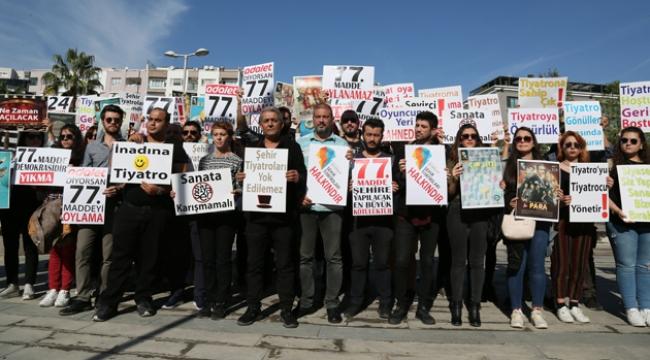 Tiyatroculardan protesto