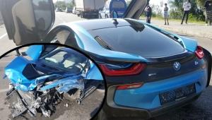 Milyonluk araçla kaza yaptı