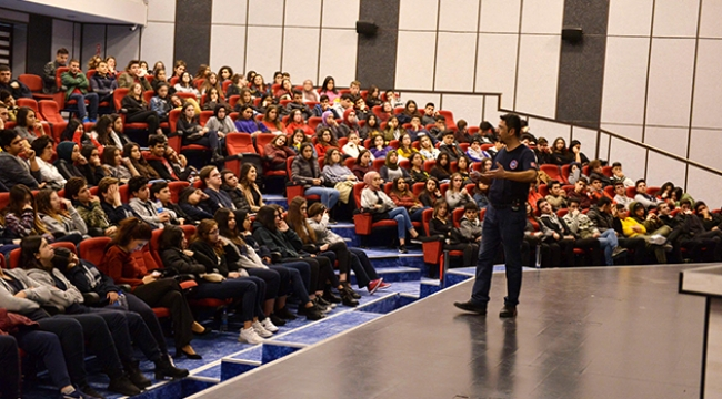 Muratpaşa'da çevre konulu konferans