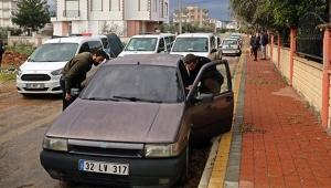Çalıntı araçla polisten kaçtı