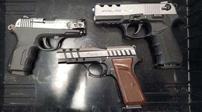 Uyuşturucu suçundan aranan şüpheli ruhsatsız silahla yakalandı