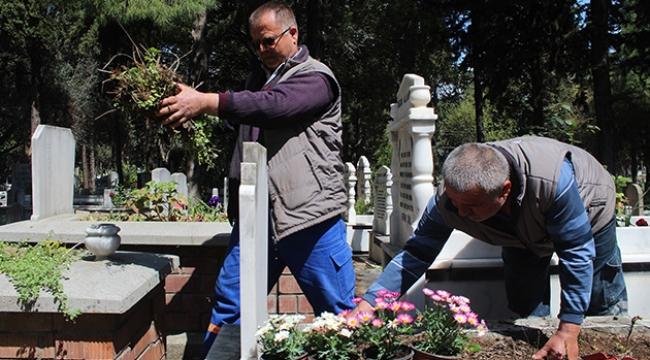 Uzaktan mezar bakım hizmeti