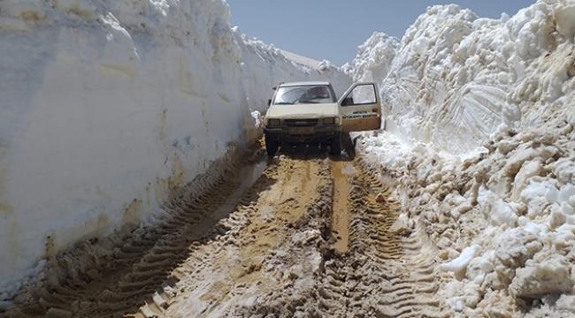 Antalya'da kar kalınlığı 4,5 metre