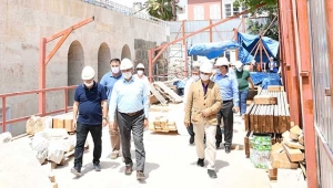 Şehzade Korkut Camiinde işlemeler seçiliyor