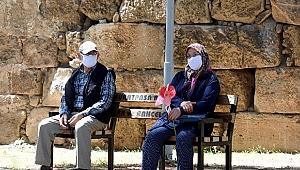 Antalya'da 65 yaş ve üzeri vatandaşlara kısıtlama