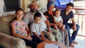 Emine Erdoğan'ın bilgisayar hediyesiyle mutlu olan Yörük kızı Emine: Yüzünüzü kara çıkarmayacağım