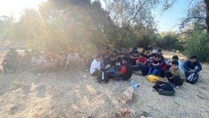 Kaş'ta 30 kaçak göçmen yakalandı