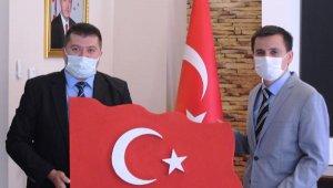 MHP'den Kaymakam Durgut'a ziyaret