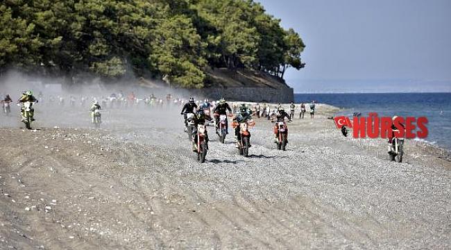 Sea to Sky'ın plaj etabını Billy Bolt kazandı