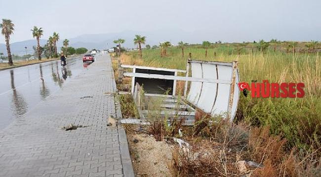 Kumluca'da şiddetli yağmur, dolu ve fırtına: 1 ölü - Yeniden
