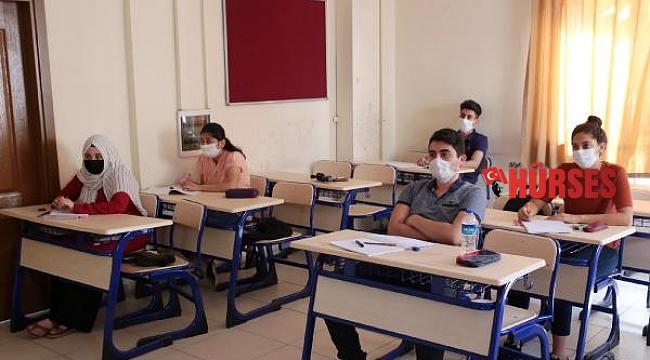 Üniversite adaylarına Kepez'den YKS hazırlık kursu