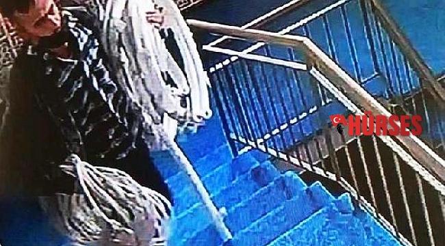 Caminin klima borularının çalınma anı kamerada