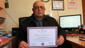 72 yaşında üçüncü üniversite diplomasını aldı