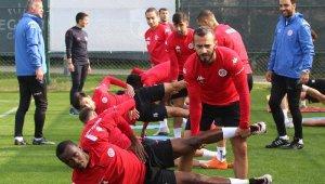 Antalyaspor, kupada çeyrek finali hedefliyor