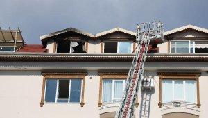 Alanya'da çatı katında korkutan yangın