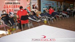 """Antalya İl Jandarma Komutanlığına """"2020 yılının Kurumsal Kan Bağışçısı Altın Ödülü"""""""