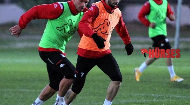 Antalyaspor golü önce yiyor, sonra atıyor