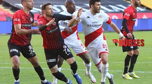 Antalyaspor'un maçlarında 2 ve daha az gol atılıyor