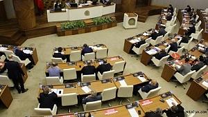 Mecliste tansiyon yüksekti. Antalya kaderine mi terk edildi ?