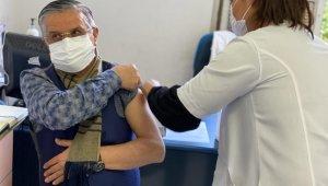 Topaloğlu, korona virüs aşısı oldu