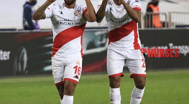 Antalyaspor'u Fredy ve Amilton ikilisi sırtlıyor