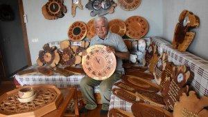 Emekli öğretmen ahşabı sanata dönüştürüyor