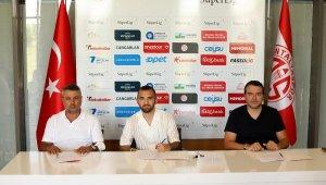 Antalyaspor, Erkan Eyibil ile 5 yıllık sözleşme imzaladı