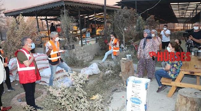 Büyükşehir ekipleri, 253 araç, 1146 personel ile Manavgat'ta