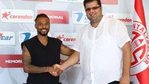 Antalyaspor, Fredy Ribeiro ile 3+1 yıllık sözleşme imzaladı