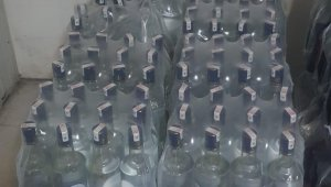 Antalya'da otelde 332 litre sahte içki ele geçirildi