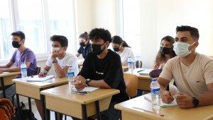 Büyükşehir'in üniversite hazırlık kursları ilgi görüyor