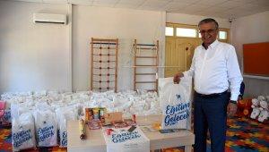 Kemer'de öğrencilere kırtasiye ve ücretsiz okul servisi desteği