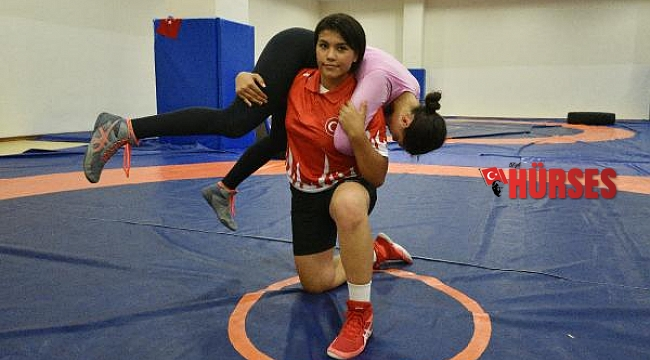 'Kızdan güreşçi olmaz' diyenleri utandıran şampiyon