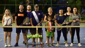 Yetişkinler için açılan tenis kursu 5 Ekim'de başlıyor